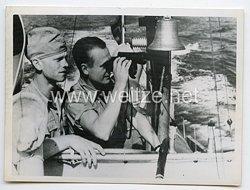 Kriegsmarine Pressefoto: Matrosen am Ausguck