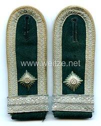 Wehrmacht Paar Schulterklappen für einen Feldwebel und Offiziersanwärter der Infanterie