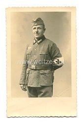 Wehrmacht Heer Foto, Soldat mit Rot Kreuz Armbinde