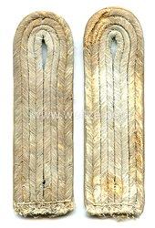 Wehrmacht Paar Schulterstücke für einen Leutnant der Infanterie