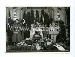 III. Reich Pressefoto: Aufbewahrung eines Mitgliedes des Reichskolonialbundes Gauverband Berlin 1939