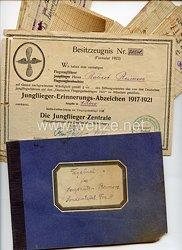 Fliegerei 1. Weltkrieg - Besitzzeugnis Nr. 734/A. für das Jungflieger-Erinnerungs-Abzeichen 1917-1921 in Silber mit weiteren Dokumenten