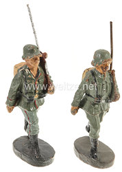Elastolin - Heer 2 Soldaten mit Tornister marschierend
