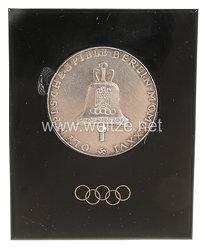 XI. Olympischen Spiele 1936 Berlin - silberne Erinnerungsmedaille im Bakelitständer für den Schreibtisch