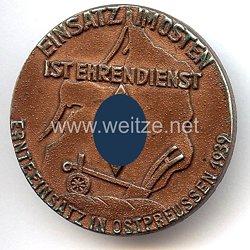 """Nationalsozialistischer Deutscher Studentenbund ( NSDStB ) - Ernteeinsatz in Ostpreussen 1939 """" Einsatz im Osten ist Ehrendienst """""""