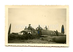 Luftwaffe Foto, Abgestürzte Junkers Ju 88 des Kampfgeschwader 54