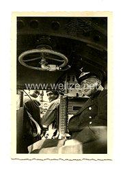 Luftwaffe Foto, Soldat in einem Transportflugzeug