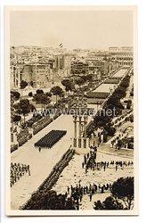 "III. Reich - Propaganda-Postkarte - "" Adolf Hitler in Italien - Die große Truppenparade in der Via dell Impero in Rom """