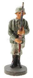 Elastolin - Heer Soldat präsentierend