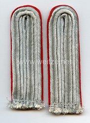 Luftwaffe Paar Schulterstücke für einen Leutnant der Flakartillerie