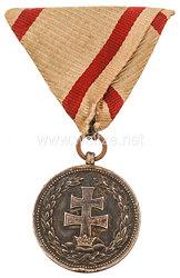 Königreich Ungarn Silberne Signum Laudis Medaille mit der Krone