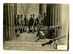 Weimarer Republik Foto, Sicherheitsposten mit Maschinengewehren in der neuen Wache in Berlin Unter den Linden