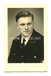 Allgemeine-SS Portraitfoto, Angehöriger einer SS-Standarte mit NSDAP Mitgliedsabzeichen