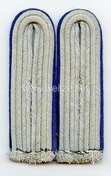 Wehrmacht Heer Paar Schulterstücke für einen Assistenzarzt