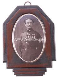 Belgien Portraitfoto auf Porzellanplatte eines Offiziers mit Auszeichnungen