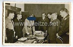 """III. Reich - Propaganda-Postkarte - """" Der Führer bei der Eröffnung des Parteimuseums am 8.11.1933 im Sternecker-Bräu München """""""