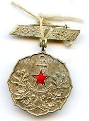 Japan 2. Weltkrieg, Mitgliedsabzeichen für Angehörige im patriotischen Frauenverband (Aikoku Fujinkai)