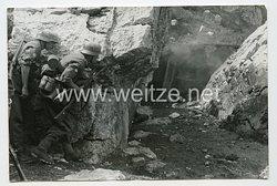 Wehrmacht Heer Pressefoto: Sturm auf den Bunker