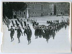 Königreich Italien Pressefoto: Aufmarsch der Schwarzhemden Milizia Volontaria per La Sicurezza Nazionale  (MVSN)