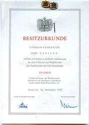 Bundesrepublik Deutschland ( BRD ) Besitzurkunde und 2 Anstecknadeln für über 25 jährige treue Mitgliedschaft in der VdK Deutschlands