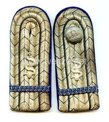 Preußen 1. Weltkrieg Paar Schulterstücke für eine Kriegs-Assistenzarzt
