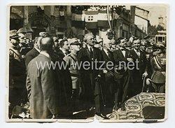 Königreich Italien Pressefoto: KönigViktor Emanuel III. bei eier Besichtigung