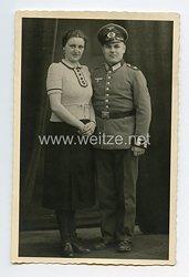 Wehrmacht Portraitfoto, Soldat mit Waffenrock in einem Infanterie-Regiment