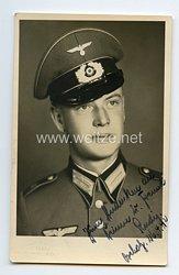 Wehrmacht Portraitfoto, Soldat der Infanterie mit Waffenrock