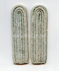 Wehrmacht Heer Schulterstücke für einen Leutnant der Infanterie