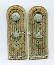 Preußen 1. Weltkrieg Paar Schulterstücke feldgrau für einen Leutnant im Garde-Füsilier-Regiment