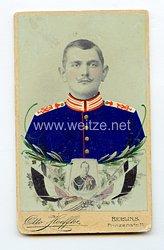 Preußen kleines Kabinettfoto eines Soldaten imKaiser Alexander Garde-Grenadier-Regiment Nr. 1