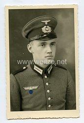 Wehrmacht Heer Portraitfoto, Soldat mit Waffenrock