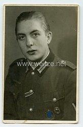 Wehrmacht Heer Portraitfoto, Gefreiter mit Infanterie-Sturmabzeichen und Verwundetenabzeichen 1939