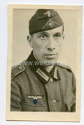 Wehrmacht Heer Portraitfoto, Soldat mit Schiffchen