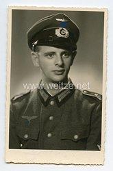Wehrmacht Heer Portraitfoto, Obergefreiter mit Schirmmütze
