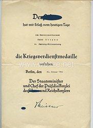 Kriegsverdienstmedaille - Verleihungsurkunde mit weiteren Dokumenten