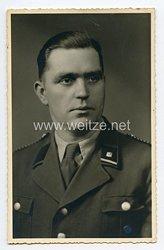 Sturmabteilung ( SA ) Portraitfoto, Oberscharführer mit NSDAP Mitgliedsabzeichen