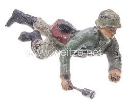 Lineol - Heer Soldat liegend mit Handgranate spähend