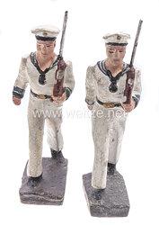 Froha - Kriegsmarine 2 Matrosen in weißer Uniform marschierend