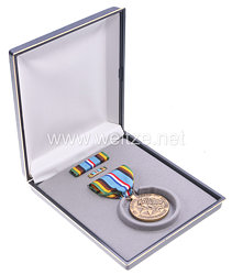 USA - Armed Forces Expeditionary Service Medal in Case with Lapel Pin and Ribbon Bar