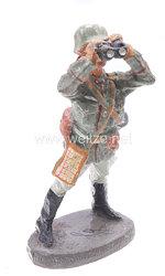 Elastolin - Heer Offizier stehend mit Fernglas nach Flugzeug schauend