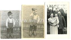 Wehrmacht Heer Fotos, Kind mit Schiffchen und Stiefeln
