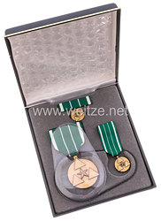 USA - Departement of the Army Commanders Award for Civilian Service Medal in Case with Miniature, Lapel Pin and Ribbon Bar