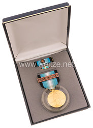 USA - Antartica Service Medal in Case with Lapel Pin and Ribbon Bar