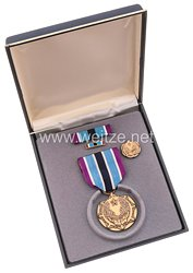USA - Civilian Award for Humanitarian Service Medal in Case with Miniature, Lapel Pin and Ribbon Bar