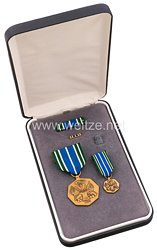 USA - Military Achievement Medal in Case with Minaiture, Lapel Pin and Ribbon Bar