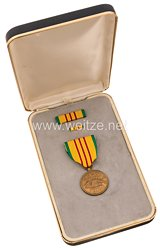 USA - Republic of Vietnam Campaign Medal in Case with Lapel Pin and Ribbon Bar