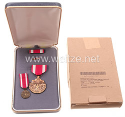 USA - Meritorious Service Medal in Case with Miniature, Lapel Pin and Ribbon Bar