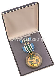 USA - Military Merit Medal in Case with Lapel Pin and Ribbon Bar