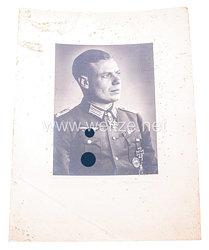 Wehrmacht Heer Portraitfoto,Eichenlaub mit Schwertern zum Ritterkreuz des Eisernen Kreuzes Erich Bärenfänger
